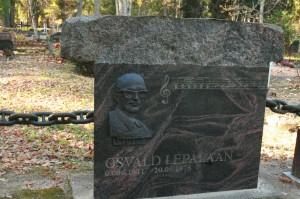 Kultuuritegelase+ja+muusiku+Osvald+Lepalaane+haud+Kullamaal.+Skulptor+Tõnu+Maarand