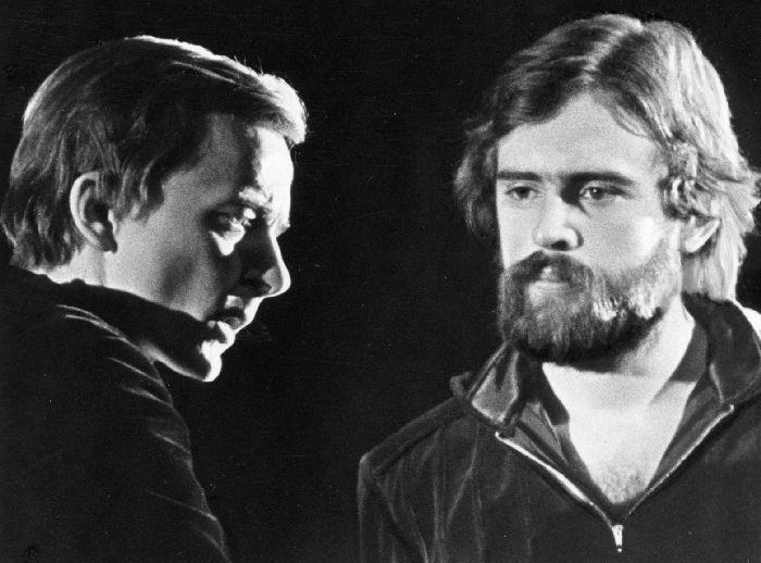 """Juhan Viiding Hamlet ja Jüri Krjukov Horatio. """"Hamlet""""  1978 Eesti Draamateater."""