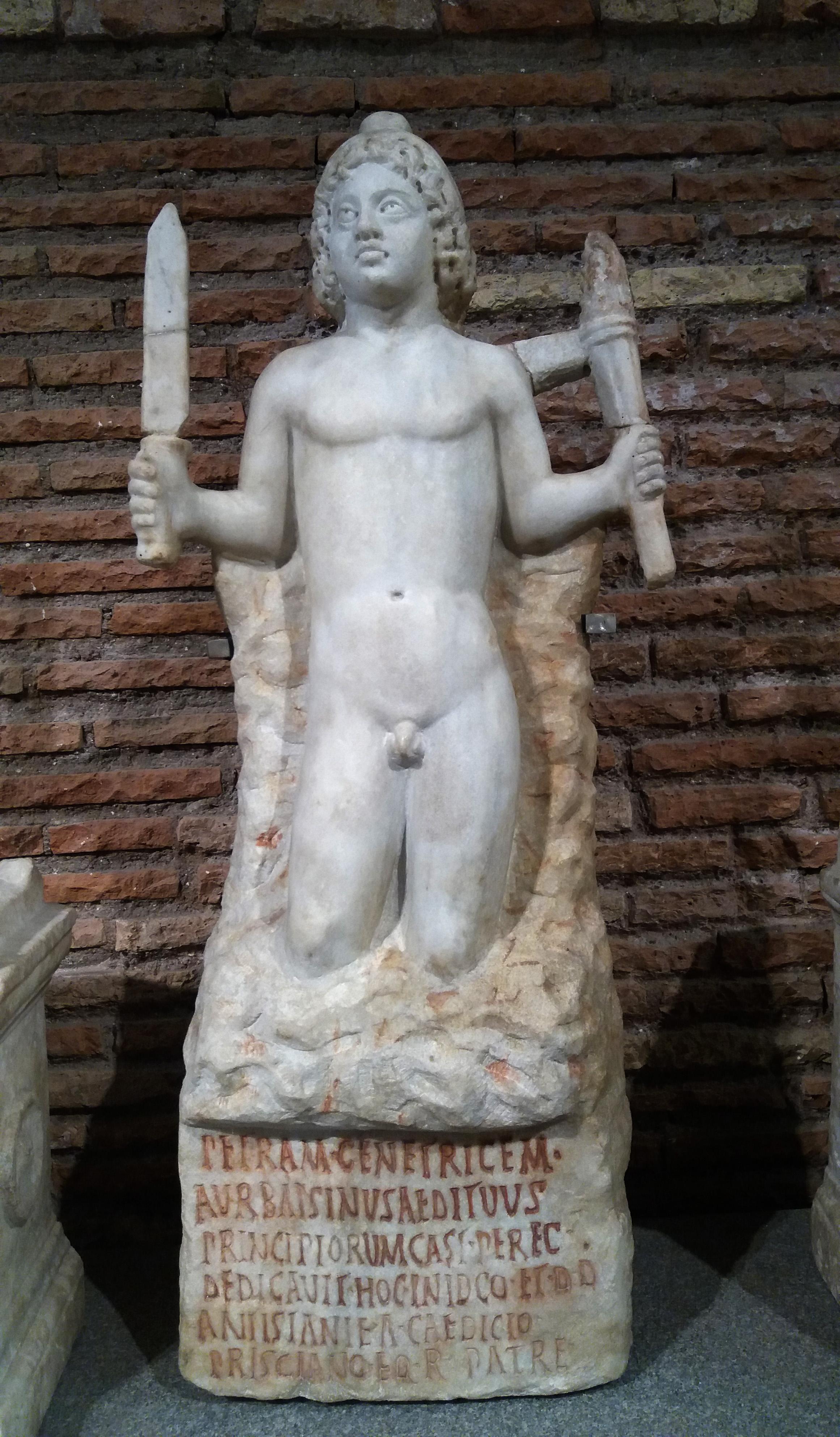 Foto 5: Kaljust sündinud Mithras pistoda ja tõrvikuga. Rooma Rahvusmuuseum (foto: Jaan Lahe).
